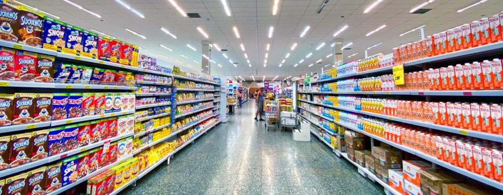 redução de energia no comércio varejista
